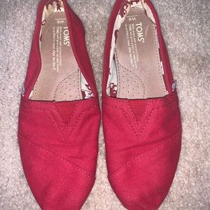 Size 6 Red Toms